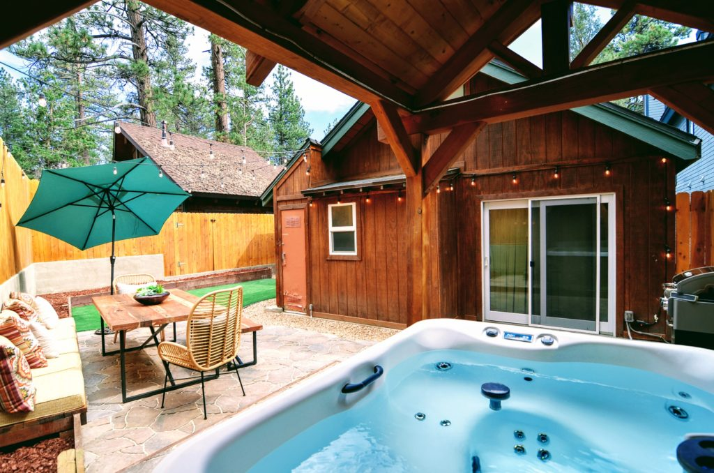 Jacuzzi can be used as pool or hot tub